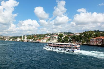 boat-along-bosphorus